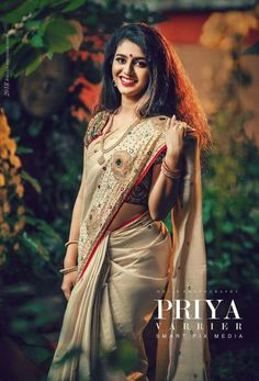 Pinterest@SnehaNair😎 Indian Photoshoot, Saree Photoshoot, Set Saree, Saree Dress, South Indian Actress Hot, Beautiful Indian Actress, Beauty Full Girl, Beauty Women, New Saree Blouse Designs