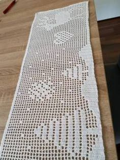 Weinachts tischläufer handgemacht - Lydia Loose - #handgemacht #Loose #Lydia #Tischläufer #Weinachts Xmas, Christmas, Doilies, Crochet Stitches, Charts, Home Decor, Baby, Christmas Graphics, Christmas Projects
