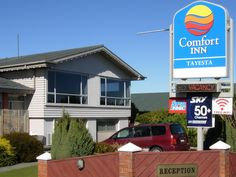 Invercargill Comfort Inn Tayesta New Zealand, Pacific Ocean and Australia Stop at Comfort Inn Tayesta to discover the wonders of Invercargill. Offering a variety of facilities and services, the hotel provides all you need for a good night's sleep. To be found at the hotel are free Wi-Fi in all rooms, daily housekeeping, laundromat, luggage storage, Wi-Fi in public areas. Designed for comfort, selected guestrooms offer television LCD/plasma screen, internet access – wireless (c...