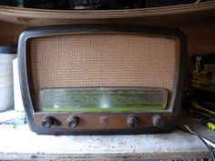 How To: Turn a Vintage Radio into a Portable iPod Speaker