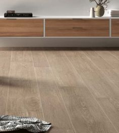Totally totally utterly completely different Designs for Your Flooring Using Ceramics Ceramic Wood Floors, Ceramic Floor Tiles, Wooden Flooring, Flooring Ideas, House Tiles, House Inside, Floor Patterns, Floor Design, Interior Design Living Room