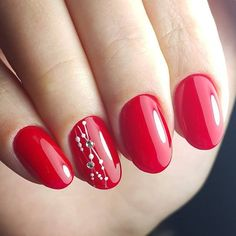 Bright red gel nails with some details - Miladies.net