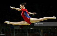 Fotografía de noticias : Aliya Mustafina of Russia competes on the balance...