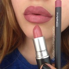 """""""Look what I found in my computer Different angle & lighting of my infamous recreation of the #KylieJennerLip using #MAC """"Soar"""" lipliner & """"Brave""""…"""""""