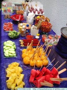 Cinco de Mayo Party Food Ideas Cinco de Mayo is party time and a great occasion to try t hese recipes, both traditional and Mexican-inspired, are worthy of a fiesta, from Mexican Birthday Parties, Mexican Fiesta Party, Fiesta Theme Party, Taco Party, Snacks Für Party, Candy Party, 21 Birthday Themes, Fiesta Gender Reveal Party, Fiesta Games