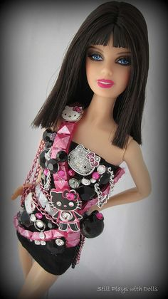 Hello Kitty-Katy Perry by Still Plays With Dolls, via Flickr