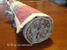 Cose e calla . Mug Rugs, Pin Cushions, Getting Organized, Bag Making, Quilt Blocks, Decorative Boxes, Patches, Quilts, How To Make