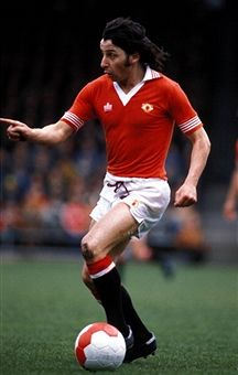 Division One, Norwich v Manchester United, Micky Thomas. Manchester United Legends, Manchester United Players, Football Soccer, Football Players, Mickey Thomas, Man Utd Squad, Premier League Champions, Best Club, Europa League
