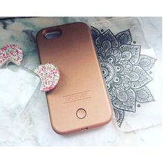 Bling Ear Case, Selfie Case & Mandala Case  Perfekt für den Sommer! ☀️ Perfect for summer! ☀️ Bling Ear Case 8,90€ | Selfie Case 24,90€ | Mandala Case 6,90€  Available on Amazon and www.urcover.com  Danke @girldreampage_ für das Foto   #Urcover #mandala #henna #tattoo #phonecase #indiansun #selfiecase #blingbling #mickeymouse #available #iphone #photooftheday