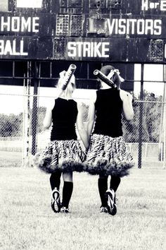Softball Sisters @Tabitha Gibson Gibson Gibson Gibson Sitton good picture idea but with are uniforms
