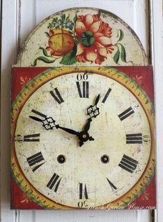 Reproduction Foret Noire Clock Rouge