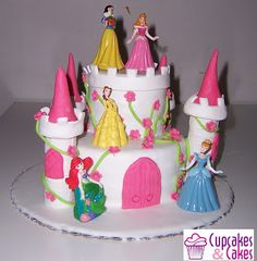 Cupcakes & Cakes: Bolo Princesas Disney IV