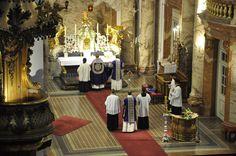 Una Voce Austria  In Litaniis Minoribus —  at Karlskirche Wien.  Supplicationes quædam & missa rogationum in litaniis minoribus die 3 maij a. D. 2016.
