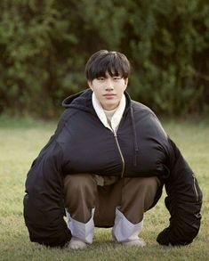 Boy Pregnancy pregnancy v back Yg Entertainment, Yg Trainee, Orange Is The New Black, Treasure Boxes, My Sunshine, K Idols, Pop Group, Photo Cards, Bangs