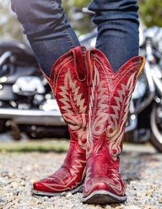 Yippee Ki Yay by Old Gringo Cowboy Up~ Bone – Cowgirl Kim Red Cowgirl Boots, Red Boots, Western Boots, Outfits With Cowgirl Boots, Western Chic, Cowboy Boots Women, Cowboy Hats, Old Gringo Boots, Buy Shoes Online