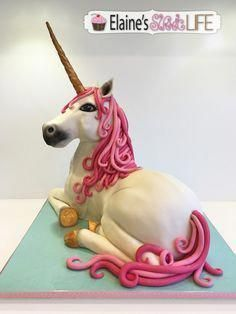 Sculpted Unicorn Cake – A white Unicorn with pink mane and tail; and golden h… Sculpted Unicorn Cake – A white Unicorn with pink mane and tail; and golden horn and hooves. Unicorn Head Cake, Unicorn Cake Topper, Unicorn Eyes, Rainbow Unicorn, Fat Unicorn, Unicorne Cake, Cupcake Cakes, Cupcakes, Bubble Cake