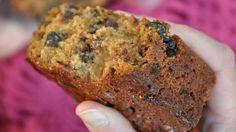 Foto: Julie Maske Banana Bread, Cake Recipes, Desserts, Tailgate Desserts, Deserts, Easy Cake Recipes, Postres, Dessert, Plated Desserts