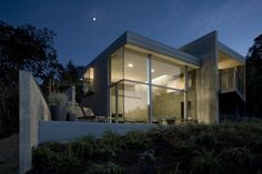 Small House In An Olive Grove / Cooper Joseph Studio - Architecture Lab Architecture Cool, Contemporary Architecture, Small Modern Home, Trendy Home, Interior Exterior, Exterior Design, Modern Exterior, Grey Houses, Eco Friendly House