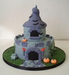 Haunted Fairy castle cake by Dragonsanddaffodils on DeviantArt Beautiful Cake Designs, Beautiful Cakes, Amazing Cakes, Chocolate Cake Designs, Tasty Chocolate Cake, Creative Cakes, Creative Food, Fairy Castle Cake, Castle Cakes