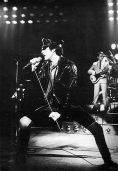 Queen - Freddie Mercury & John Deacon on the background (poor Deacky)