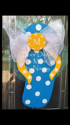 Flip Flop Summer Door Decor Wreath By Carolinamooncrafts On Etsy Flip Flop Wreaths Burlap