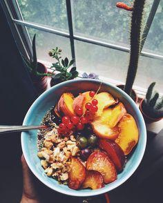 Summer Oats with Hemp Seeds by @sofiamarie777 -  #oatmeal #oats #organicoats #plums #redcurrants #peach #walnuts #maplesyrup #flaxseed #chiaseeds #hempseeds #grassfedbutter #gooseberries #warmth #healthyfood #cleaneats #organic #allorganic #morningfuel #breakfast #summerdays #fresh #fitfam #fitmom #hempfood #instahemp #hempseed