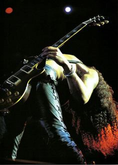 The ultimate rock star Slash. #rock #music #photography ... Uploaded with Pinterest Android app. Get it here: http://bit.ly/w38r4m