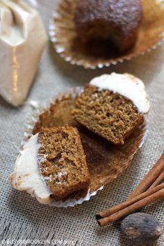 Brown Sugar Cream Cheese Frosting #NewYear #NewYearsEve #creamcheesefrosting #cupcake