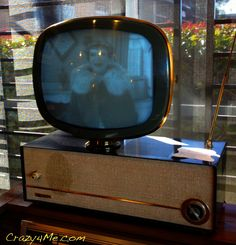 1959 Philco Predicta Television... I seen this at a shop the other day for almost 300 buck.... I wanted to buy it so bad.