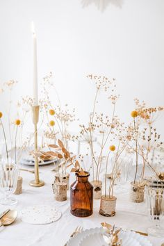 Love these dried floral wedding centerpiece ideas. - Love these dried floral wedding centerpiece ideas. Inexpensive and charming. Love these dried flora - Flower Table Decorations, Christmas Table Decorations, Table Flowers, Centrepiece Ideas, Bouquet Flowers, Dry Flowers, Forest Flowers, Fabric Flowers, Forest Wedding Decorations