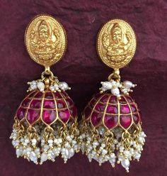 Kunan Jewellery with price, Kundan jewellery with saree, kundan jewellery designs with price, Kundan bridal jewelry,What is kundan jewelry South Indian Silk Saree, South Indian Wedding Saree, Indian Wedding Bride, South Indian Weddings, Indian Wedding Outfits, South Indian Jewellery, Indian Jewelry, Silver Jewelry, Antique Jewelry