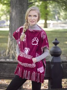Homecoming Poncho With Pocket (Knit-Crochet) - Patterns - Lion Brand Yarn