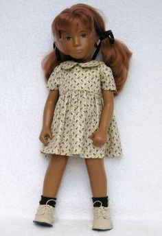 I had a doll like her...sasha...but I never liked to play with her, she was too stiff !
