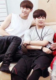 Jackson e JB são um casal.  Jackson ama JB, mas este não aguenta mais… #fanfic # Fanfic # amreading # books # wattpad