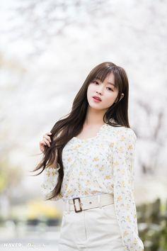 Oh My Girl YooA - 'The Fifth Season' promotion photoshoot by Naver x Dispatch. Kpop Girl Groups, Korean Girl Groups, Kpop Girls, Oh My Girl Yooa, Long Length Hair, Classy Girl, Ulzzang Girl, South Korean Girls, Girl Photos