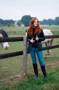 A preppy outfit post featuring my Barbour Cavalry Polarquilt jacket combined with a Gap striped top and Tory Burch classic Riding boots. Redhead Fashion, Redhead Girl, Curvy Fashion, Fashion Fashion, Fashion Tips, Fashion Trends, Preppy Trends, Barbour Quilted Jacket, Best Bob Haircuts