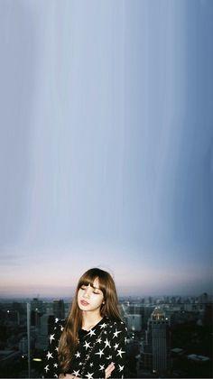 Every smile makes you a day younger⌛️🧚🏻♀️ Smile Wallpaper, Lisa Blackpink Wallpaper, Tumblr Wallpaper, Blackpink Lisa, Yg Entertainment, Aesthetic Photo, Aesthetic Pictures, Ft Tumblr, Blackpink Members