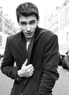 Harry Lloyd. Saw him in an old Doctor Who episode and surprise he's still gorgeous.
