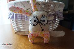 Ушастик от #dubi 🌷dubi - отличный #подарок для ваших друзей или ребенка. И прекрасно украсит ваш интерьер). Материалы: верх - 100% лен, нижняя часть -100%хлопок, наполнитель гипоаллергенный файбертек!!!! Около 19 см. Шью разных расцветок по вашему желанию) Игрушки от #dubi_dubi очень любят дети) Будьте оригинальны в выборе подарка😉  #dubi_dubi #зайка#заяц#мягкийзаяц#мягкаяигрушка #hand_made #хенд_мейд #хэнд_мэйд#подарок #оригинальныйподарок #ручнаяработа #handwork #поделки #креатив #минск…