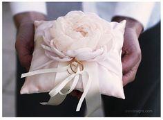 Ring Pillow. Light Pink Wedding Pillow €35.00