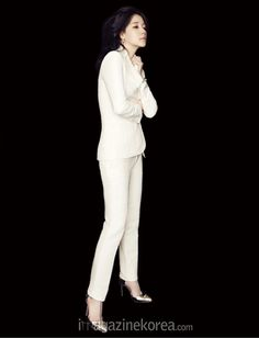 Lee Young Ae - Harper's Bazaar Magazine January Issue '15