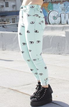 Peepers High Rise Skinny: http://shop.nylonmag.com/collections/clothing/products/peepers-high-rise-skinny #NYLONshop