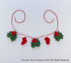 this is precious.............Ravelry: Lovely Christmas Garland pattern by Carolina Guzman