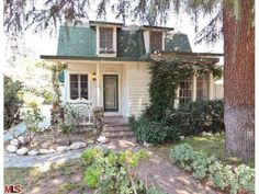 1940s Clapboard Cottage Fixer in Sherman Oaks