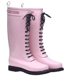 Pink boots by Ilse Jacobsen - I found them at Splendid Willow Avenue.\\