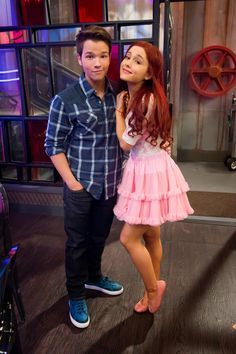 Find images and videos about ariana grande, cat valentine and icarly on We Heart It - the app to get lost in what you love. Ariana Grande Outfits, Ariana Grande Fotos, Victorious Cat, Icarly And Victorious, Cat Valentine Victorious, Nathan Kress, Hannah Montana, Cat Valentine Outfits, Bilal Hassani