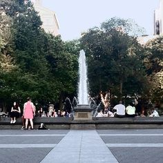 My #view while #busking today. #WashingtonSquarePark #nyc #summer #music #looping #art #photography - http://washingtonsquareparkerz.com/my-view-while-busking-today-washingtonsquarepark-nyc-summer-music-looping-art-photography/
