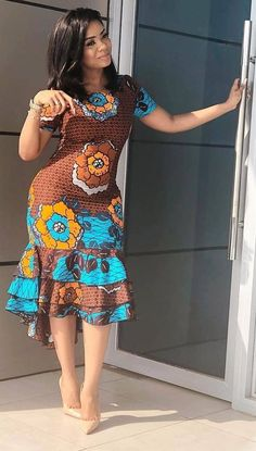 African fashion modern - Newest Short Ankara Gown 2019 – African fashion m. - Women's style: Patterns of sustainability African Fashion Ankara, Latest African Fashion Dresses, African Dresses For Women, African Print Dresses, African Print Fashion, African Attire, African Prints, African Dress Styles, African Dress Designs