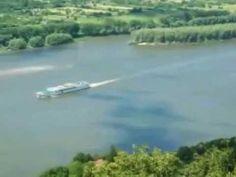 A Duna hullámain