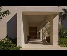 Design: Entry (HOUSES IN THE MEXICAN DESERT by Legorreta + Legorreta & Adler Arquitectos)